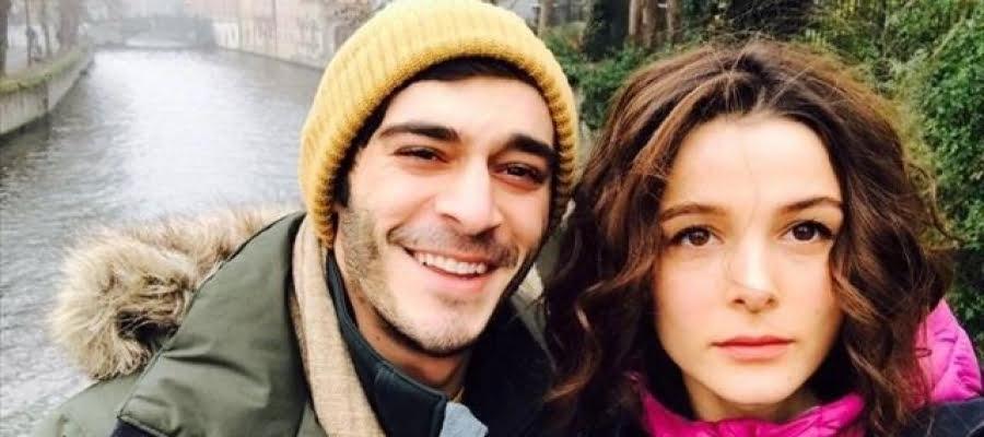 الممثل التركي بوراك دينيز ينفي خبر انفصاله لكن زوجته فعلت ما لم