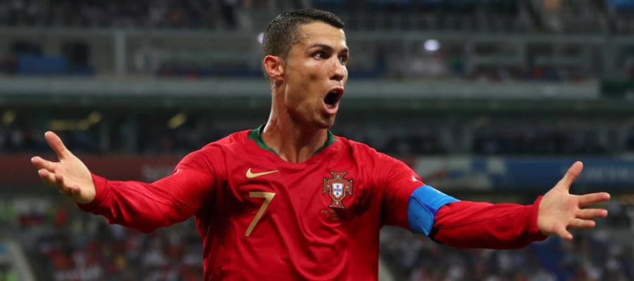 لماذا يعدُّ البرتغالي كرستيانو رونالدو أفضل لاعبٍ في تاريخ كرة القدم؟   تركيا الآن