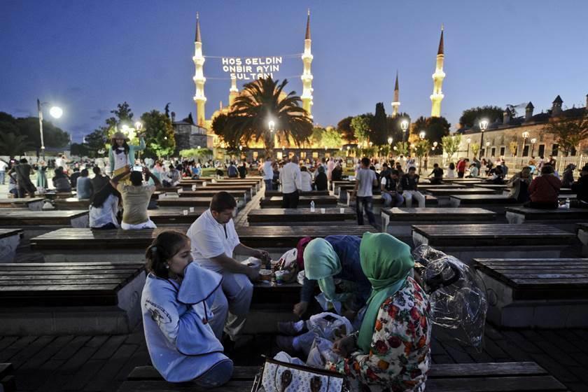 تركيا تعلن موعدي رمضان وعيد الفطر لعام 2020 تركيا الآن