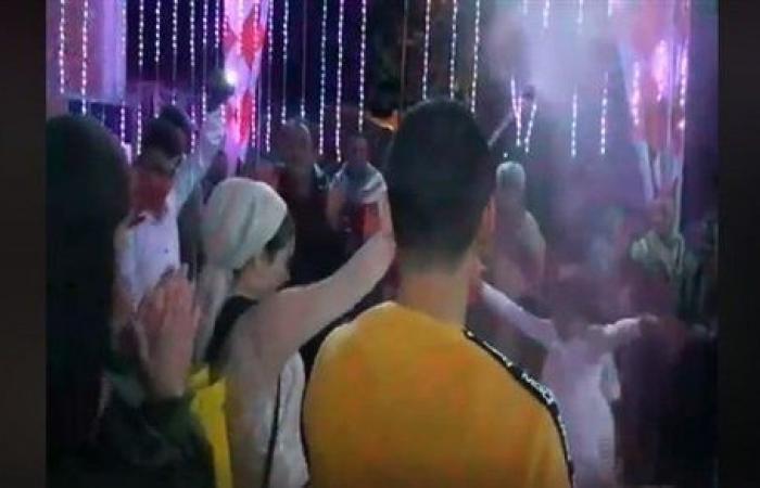 """كورونا في مصر غير.. """"شاهد"""" العروسة ترقص """"على واحدة ونص"""" وتعقم المعازيم بـ""""الديتول"""""""