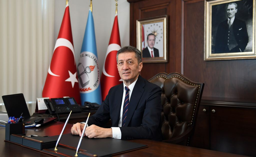 وزير التعليم التركي: الاثنين المقبل عودة التعليم الوجاهي لهذه المراحل