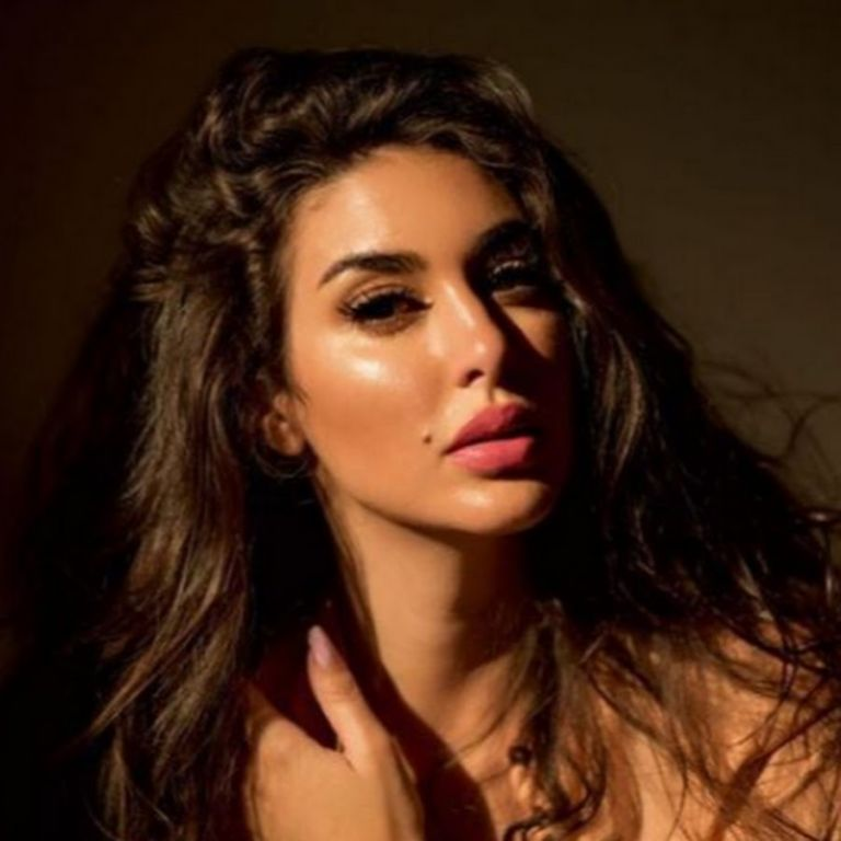 الفنانة المصرية