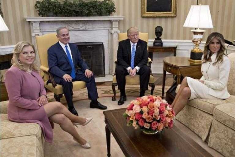 ملابس نتنياهو المتسخة تثير غضب مسؤولي بالبيت الأبيض