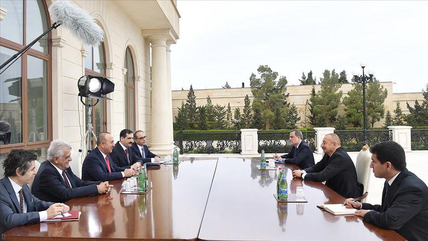 من أرض المعركة.. وزير الخارجية التركي: سنحمي وحدة أذربيجان