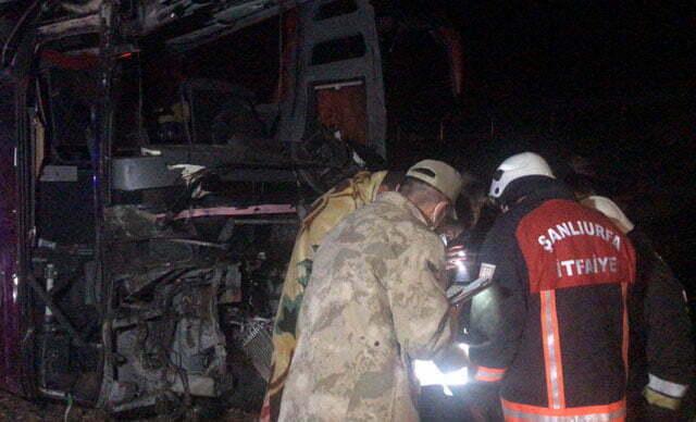 انقلاب حافلة عراقية في شانلي أورفة وإصابة العشرات
