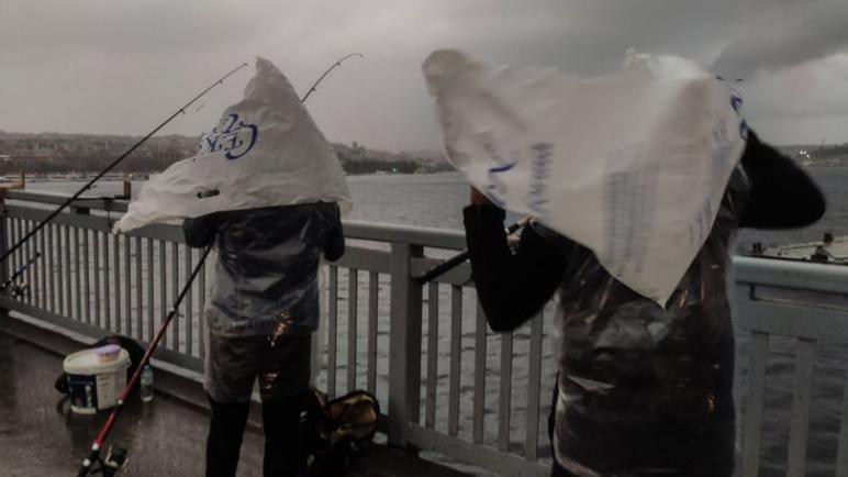 طقس تركيا.. الأرصاد الجوية تحذر هذه الولايات من عواصف وأمطار شديدة
