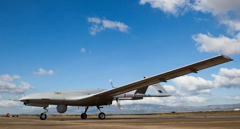 الدفاع التركية تنشر فيديو لنجاح تجربة جديدة لطائرات بيرقدار (شاهد)