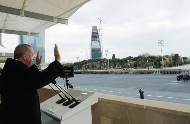 أردوغان خلال حفل انتصار أذربيجان على أرمينيا في العاصمة باكو