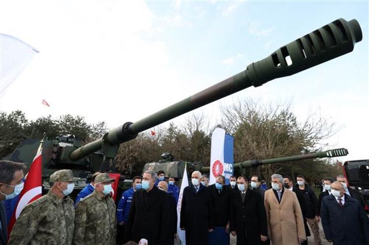 وزير الدفاع خلوصي أكار يحضر حفل التسليم