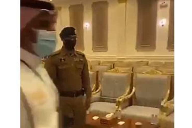 مواطن سعودي يقتل مصريا ويصيب آخر بطريقة بشعة (صورة)