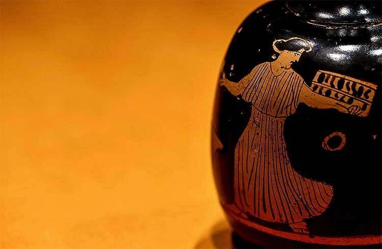 زجاجات عطور أثرية