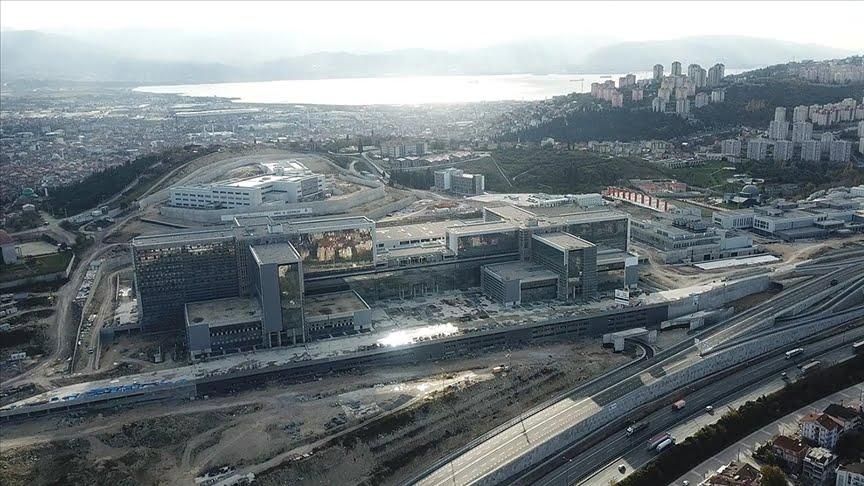 أعمال البناء مستمرة في مستشفى مدينة كوجالي الضخم