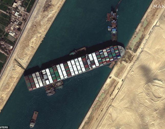 تعويم سفينة قناة السويس الجانحة