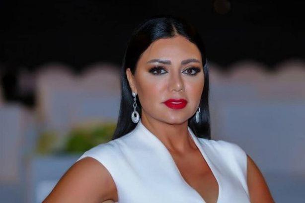رانيا يوسف تمارس التمارين