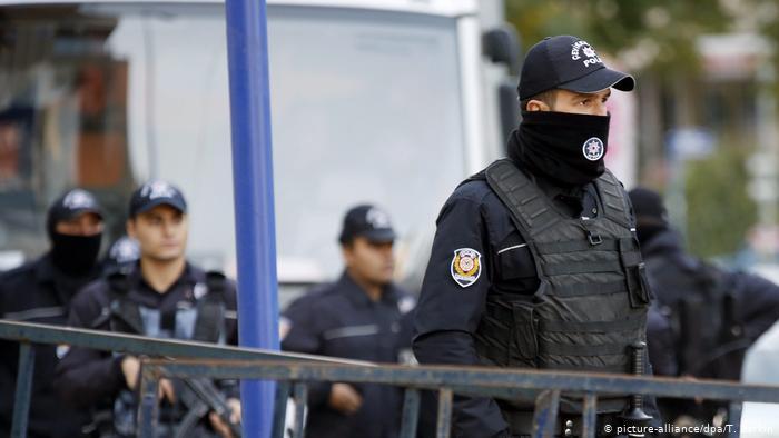 حملة اعتقالات سابقة استهدفت منظمة غولن الإرهابية