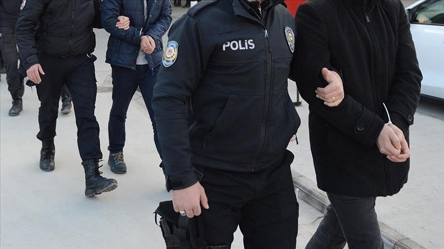 تركيا: القبض على خمسة أشخاص يشتبه بانتمائهم لمنظمة غولن الإرهابية