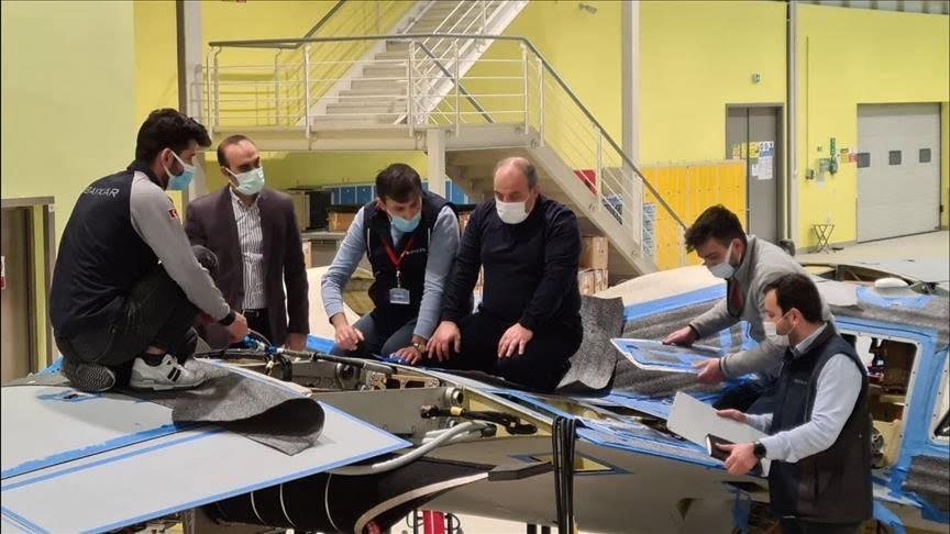 """تركيا.. وزير التكنولوجيا يباشر باكورة إنتاج مسيرة """"أقينجي إس-1"""""""