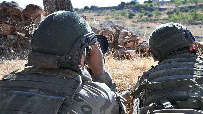الدفاع التركية تعلن القبض على إرهابي