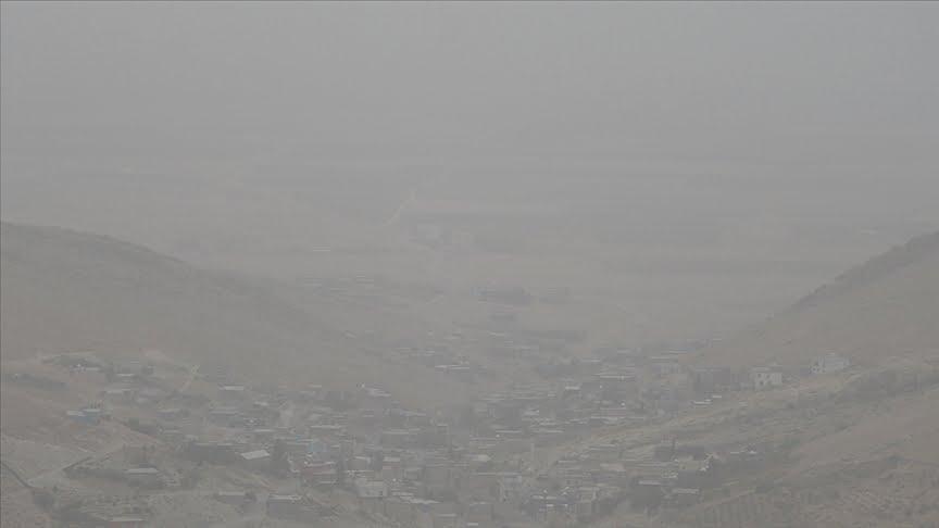 تحذير من أمطار طينية بفعل غبار قادم من سوريا والعراق