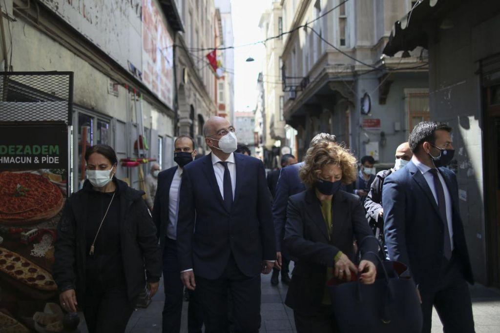 وزير الخارجية اليوناني في أنقرة اليوم للقاء الرئيس أردوغان