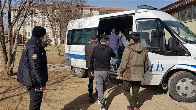 ضبط 11 طالب لجوء شمال غربي البلاد