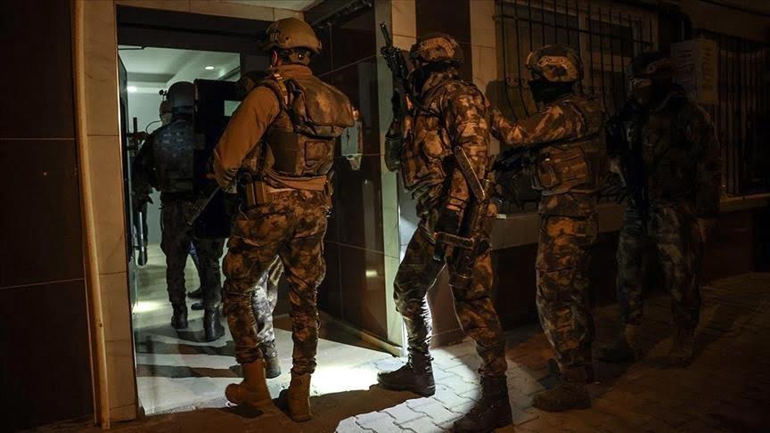 اعتقال 35 مشتبهًا بالانتماء لتنظيم داعش الإرهابي في إسطنبول
