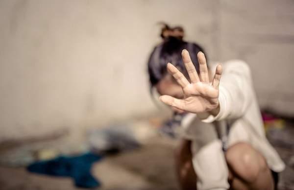 فتاة كويتية ترفع شكوى ضد أمها