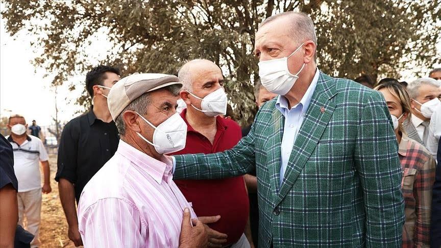 الرئيس أردوغان يلتقي مواطنين متضررين من حرائق الغابات