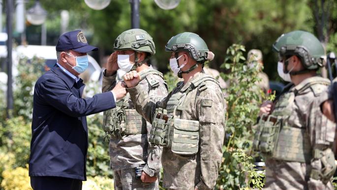 آخر تطورات الساحة التركية.. وزير الدفاع يهدد ونائب وزير الخارجية يزور واشنطن