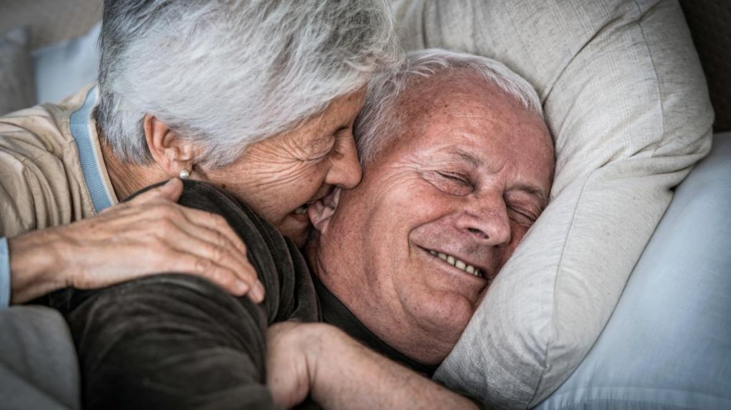 العلاقة الزوجية بعد الـ 60