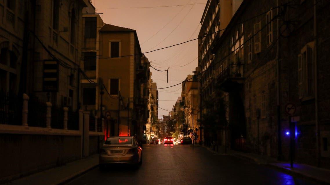 صورة تظهر أحد الشوارع اللبنانية بدون كهرباء